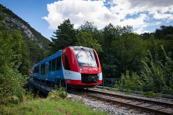 Austria launches hydrogen train into passenger service on challenging alpine routes