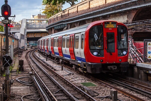 Transport for London announces fine of £660 for not wearing mask in Subways & Buses